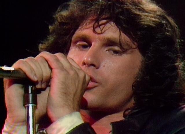 Si se presta atención se escuchará dos veces la voz de Jim Morrison en 'Raiders on the storm'