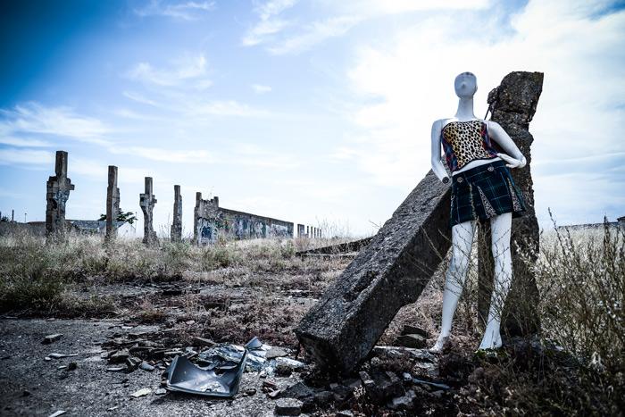"""""""META A. MORFOSIS 3"""". De la serie fotográfica Meta A. Morfosis, 2015, realizada por Eduardo Fandiño para Kosicas y Telares."""