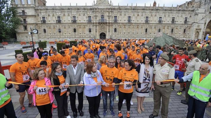 Inicio de la carrera solidaria con la asociación Alcles. © Fotografía: Daniel Martín / La Nueva Crónica.