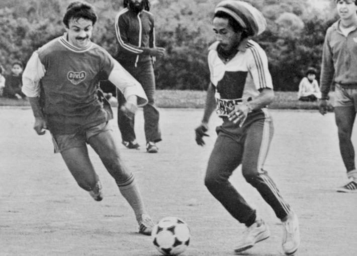 El fútbol, la otra pasión de Bob Marley, le reveló que tenía cáncer, pero sus creencias le impidieron combatirlo