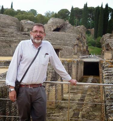 El arqueólogo y catedrático Jesús Liz Guiral.