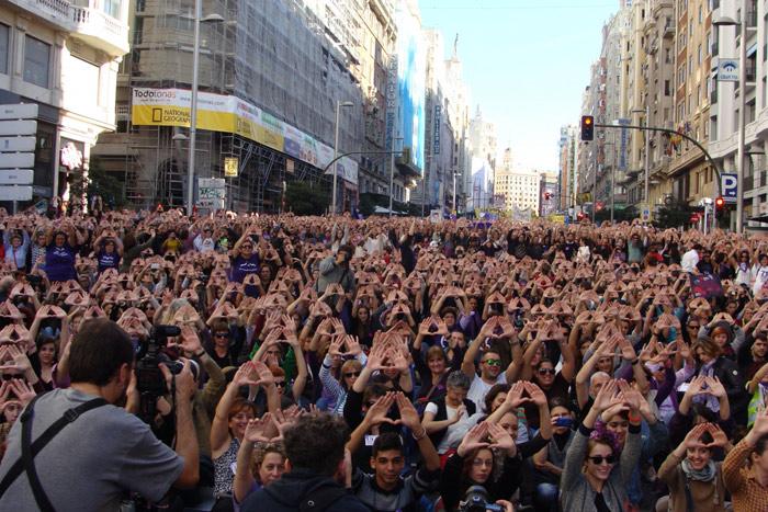 entada en la Gran Vía durante el final de la marcha. Foto: L. Fraile.