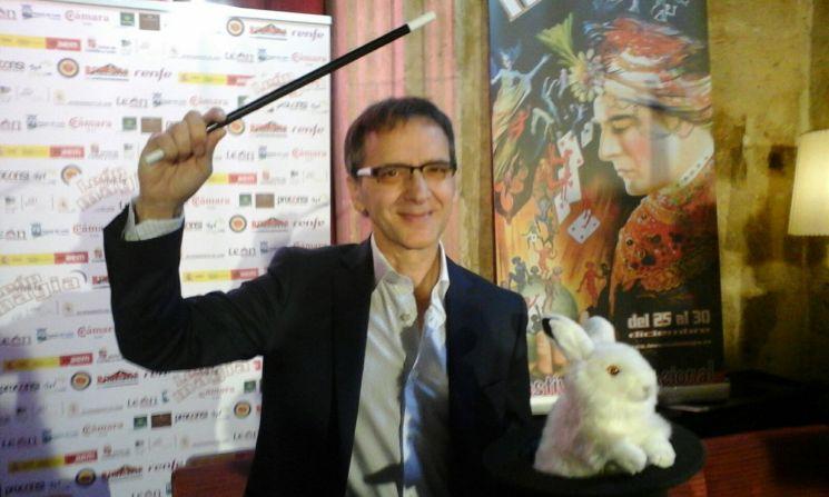 El mago leonés Juan Mayoral. Fotografía: C. Sayago.