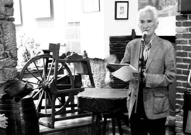 Carlos Oroza en una de las Semanas de Poesía Salvaxe de Ferrol.
