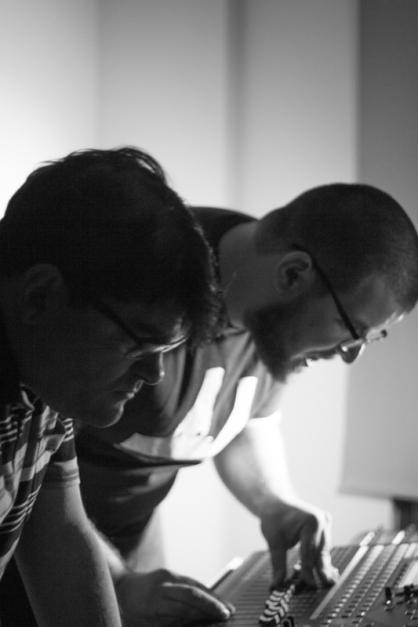 Notone (izquierda) y Genzo P. en un ensayo del grupo Fibonacci. © Fotografía: Pedro Matos.