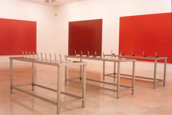 Darío Corbeira. 3 (5, 7, 11) 7 (31, 37, 41, 43, 47, 53, 59), 1995-96. Instalación. Cortesía del artista. © VEGAP, 2015-16.