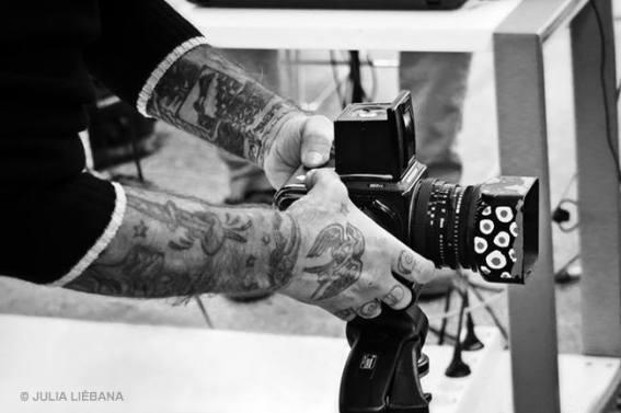 """""""El maestro y su cámara"""". © Fotografía: Julia G. Liébana."""