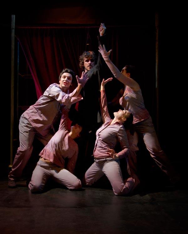 Momento de Máquina Hamlet en el Teatro El Albéitar. Fotografía: Sergio González.