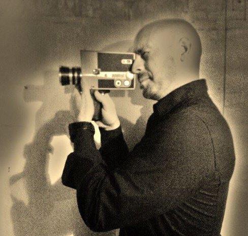 Imagen promocional de Eduardo Cortina.