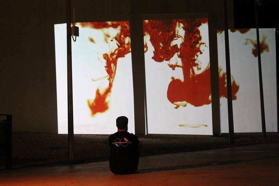 """Vista de la instalación """"Live Cinema"""" de Eduardo Cortina."""