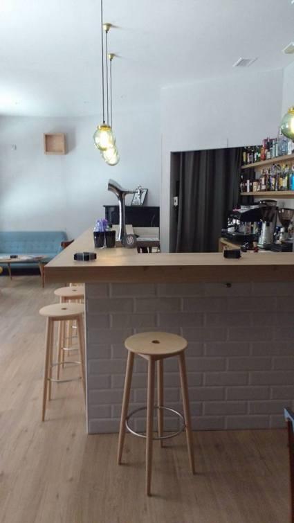 Interior del remodelado bar Belmondo (C/ San Lorenzo, en León).