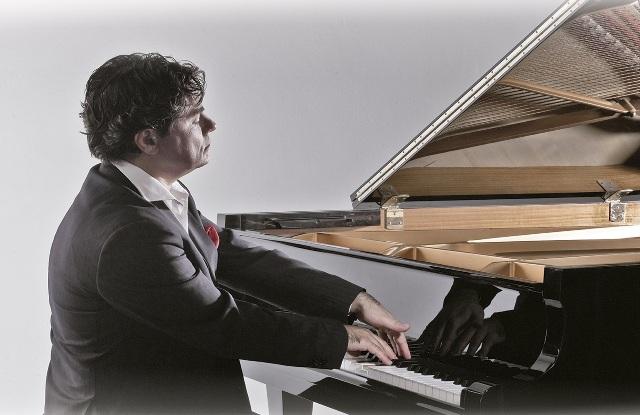 El compoitor e intérprete Gustavo Díaz-Jerez.