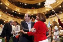 Juan Vicente Herrera en el teatro Liceo. / (La fotografía, de  E. Carrascal, se publicó en el diario El Mundo)