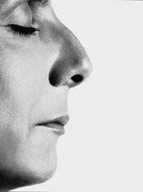 Sophie Calle. Le nez © Jean-Baptiste Mondino
