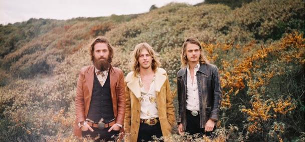 El trio holanés DeWolf.