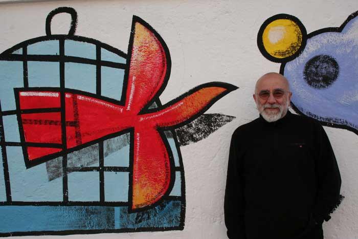 El artista y pintor Manuel Sierra. Fotografía: Juan Antonio Berzal.