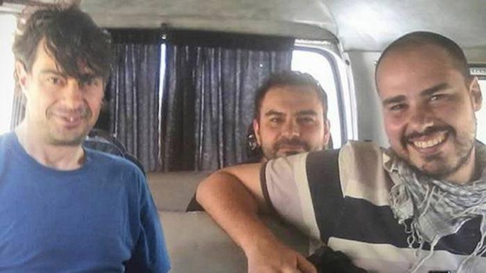 López, Sastre y Pampliega en una de las últimas fotografías antes de ser secuestrados en Alepo.