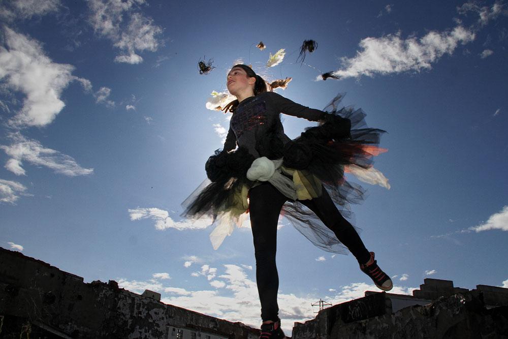 """""""Pájaros"""", una de las piezas de la colección de Esther Calzado. La fotografía es de Peio García."""
