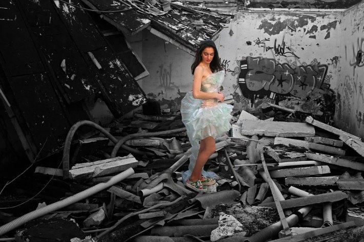 """""""Fragiledad"""", una de las piezas nuevas de la colección de Esther Calzado. La fotografía es de Peio García."""