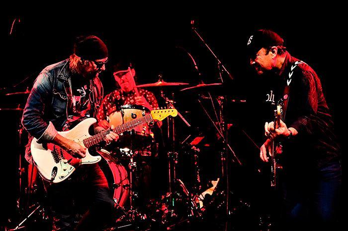 Vargas Blues Band.