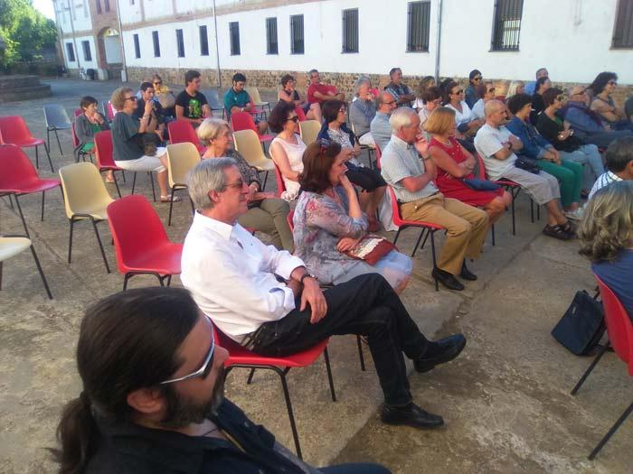 Patio de la Fundación Merayo, durante un acto.