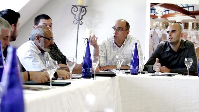Reunión de entidades locales menores en León, una imagen del documental.