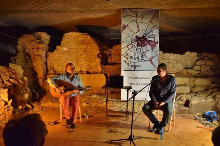 Hames Bitar y Ahmad Yamani, en la cripta leonesa de Cascalería. © Fotografía de Marcelo Oscar Barrientos Tettamanti.