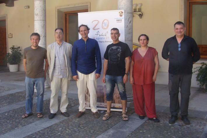 José Miguel Sebastián, Miguel Ángel Pérez, Alex Rodríguez (director del FETAL), Raúl Gómez, Mercedes Herrero y Patxi Vallés, durante la presentación del Festival. © Foto: Laura Fraile.