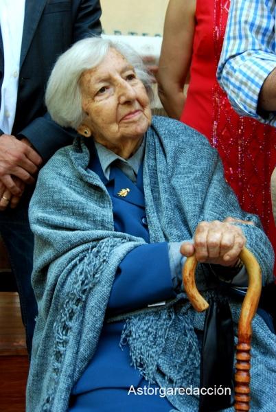 Concha Casado Lobato durante un homenaje en Val de San Lorenzo, hace 3 años. © Fotografía: astorgaredaccion.com