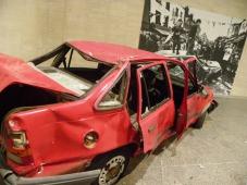 Gustav Metzger. Kill the Cars. Instalación.