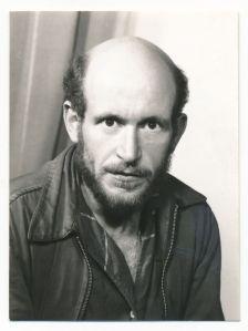 Retrato de Gustav Metzger.