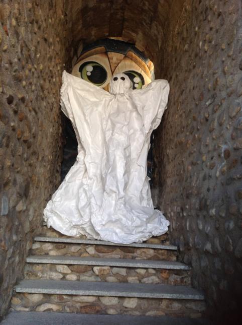 Fantasma fabricado por los alumnos del colegio marista San José, en Puerta Castillo (León).