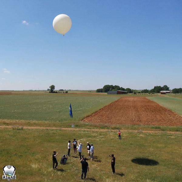 Lanzamiento de una capsula ASHAB en El Burgo Ranero (León).