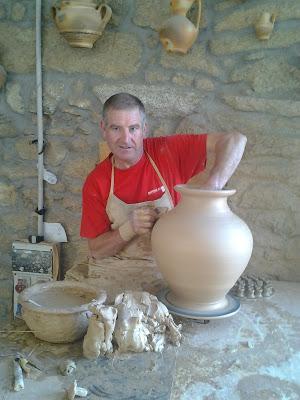Alfarería tradicional de Moveros de Aliste (Zamora). En la imagen, Francisco Pascual.