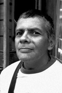 El autor colombiano Nelson Sáenz Pico.