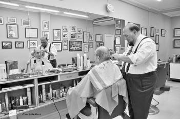 Melado, peluquero. © Fotografía: Ana Escalera.
