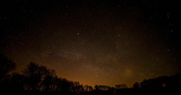 Observación del cielo en Cerezales.