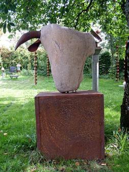 Escultura de Lolo Zapico.