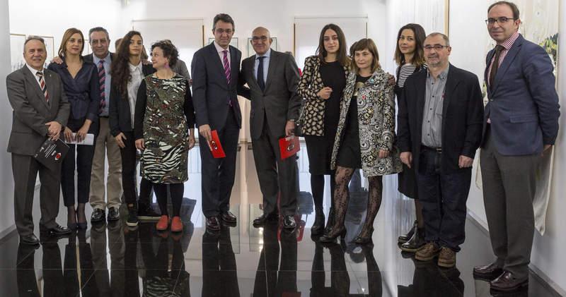 Presentación de la muestra de creadoras leonesas en la sala de exposiciones del Teatro Zorrilla de Valladolid. © Fotografía: EFE/R.García