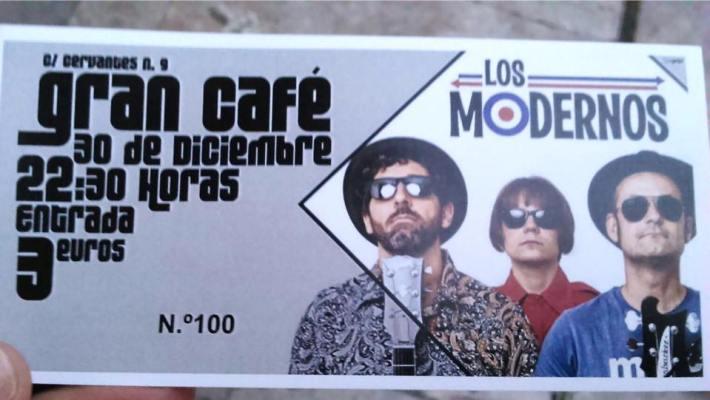 Entrada nº100 para el concierto de Los Modernos en El Gran Café. Fuente: Facebook.