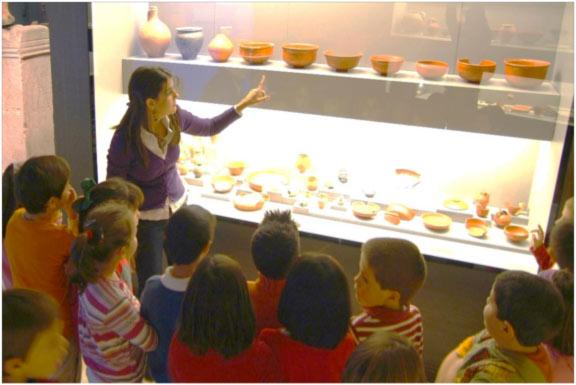 Visita guiada para niños en el Museo de Leon.