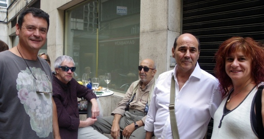Amancio, Carlos Pérez-Alfaro, Jular, Escanciano y María Murciego, hace unos meses en el callejón de Ármaga. Foto: E. Otero.