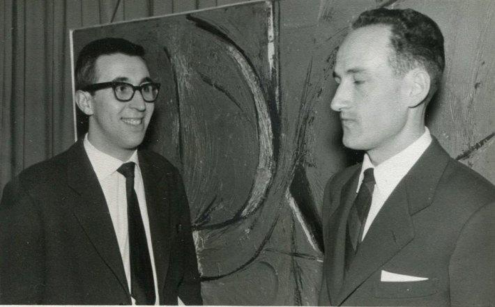 Manuel Jular y Alejandro Vargas en 1961. Primera exposición de Arte Abstracto en León. [Fotografía cedida por A. Vargas]