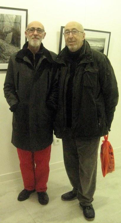 Los dos hermanos, Jesús y Manuel Jular, en la galería Ármaga (2015). Foto: E. Otero.