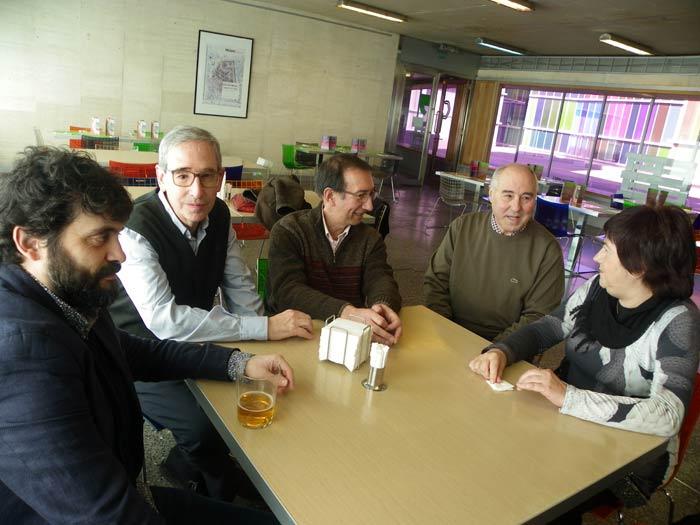 Alberto Santamaría, Luis Marigómez, Tomás Sánchez Santiago, José Luis Puerto y Esperanza Ortega, comisarios de las dos exposiciones de poesía experimental que se pueden contemplar desde el 21 de enero en el MUSAC (León).
