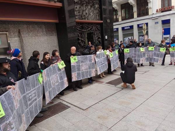 Concentración ciudadana en defensa de la Plaza del Grano, este viernes 10 de febrero, a las 11,30 de la mañana, frente al Ayuntamiento de León.