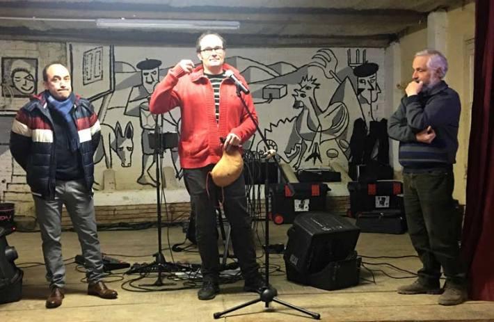 De izquierda a derecha: Nacho Casteñeda, alcalde de Urones de Castroponce, Álex Rodríguez, director de FETAL, y Melitón López, del colectivo Amayuelas de Abajo. Fotografía: Estrella R