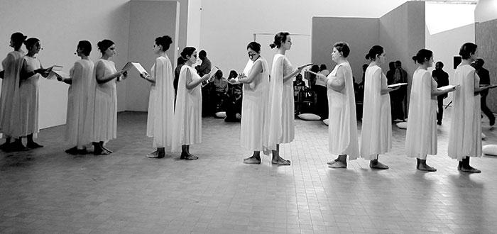 Enchiriadis en las edades de la mujer [Museo Pablo Serrano, noviembre de 2015]. Cortesía de los artistas.