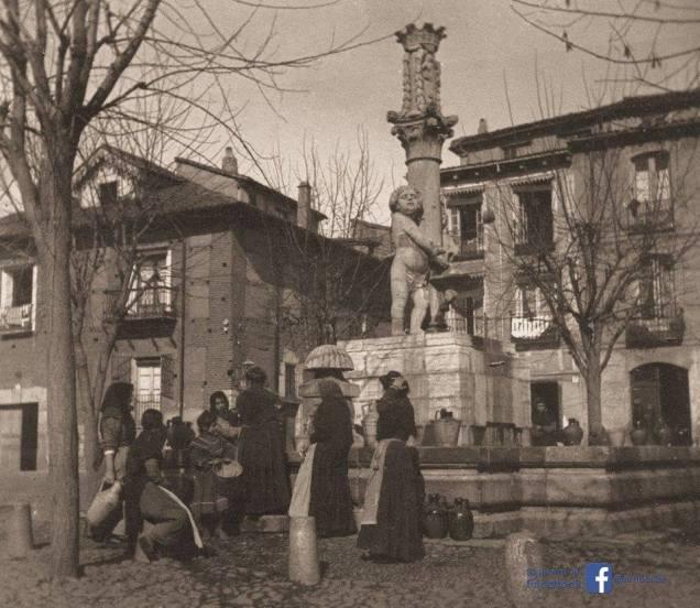 Una imagen antigua de la Plaza del Grano.