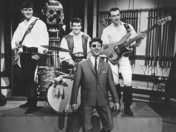 Johnny Kidd and The Pirates%2c esencias de rock & roll desde un segundo plano.jpg